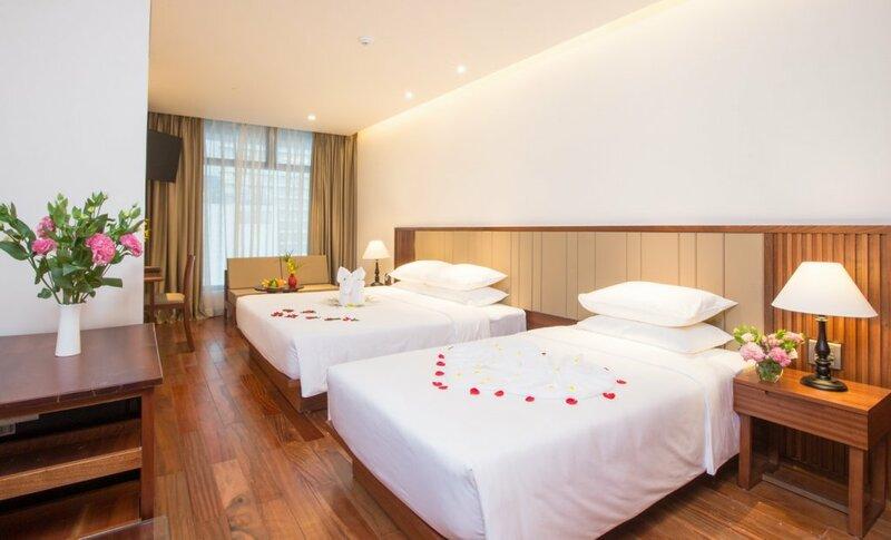 Отель Green Beach Nha Trang