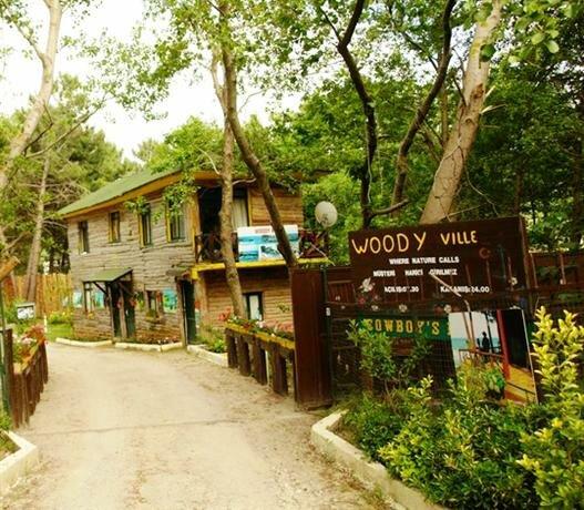 Woodyville Hotel Agva