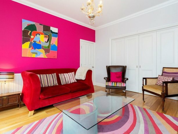 Veeve 4 Bed House On Emlyn Road West London