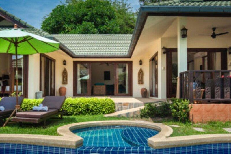 Samrong Beach Villas