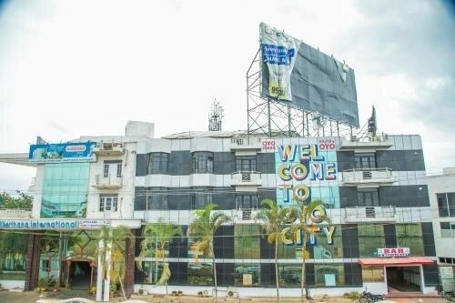 Oyo 10885 Hotel Keerthana International