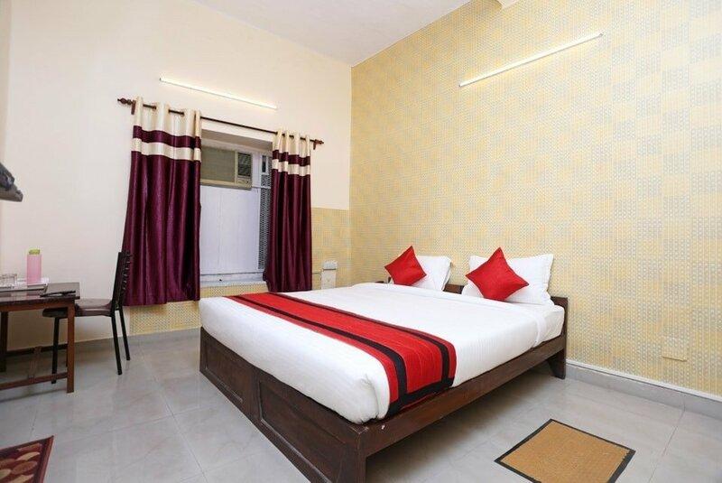 Oyo 9001 Hotel East West