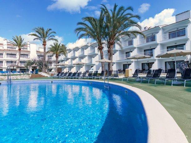 Apartamentos Playas Cas Saboners