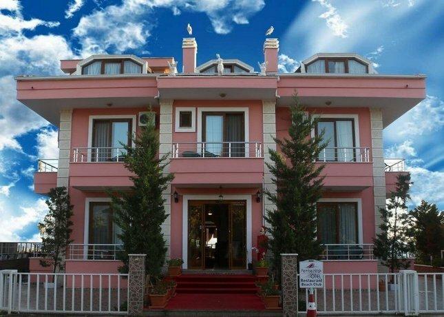 Pembe Kosk Hotel