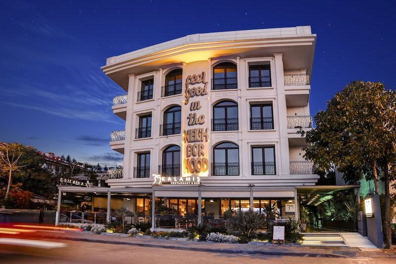 39 Kalamis Marina Hotel