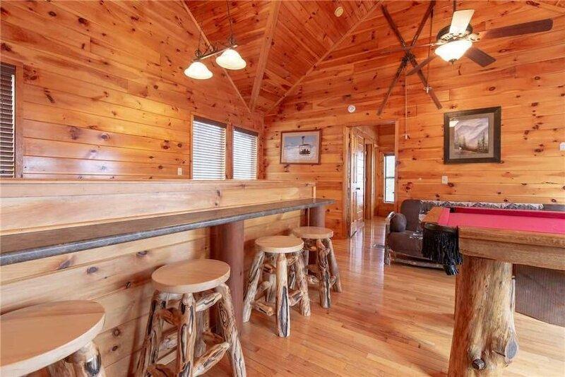 Starry Nights Lodge - Five Bedroom Cabin