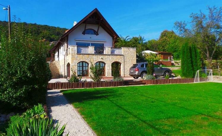 Keith Lakewood Villa