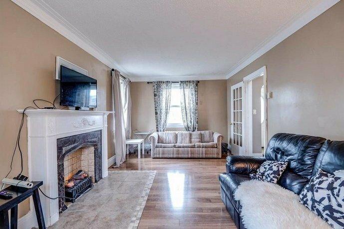 Hamilton Convenient Safe & Confortable Manor