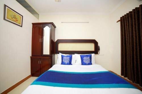 Oyo 8331 Kodavath Residency