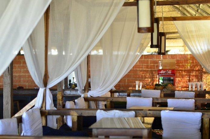 Sea Bird Beach Cafe & Cottages