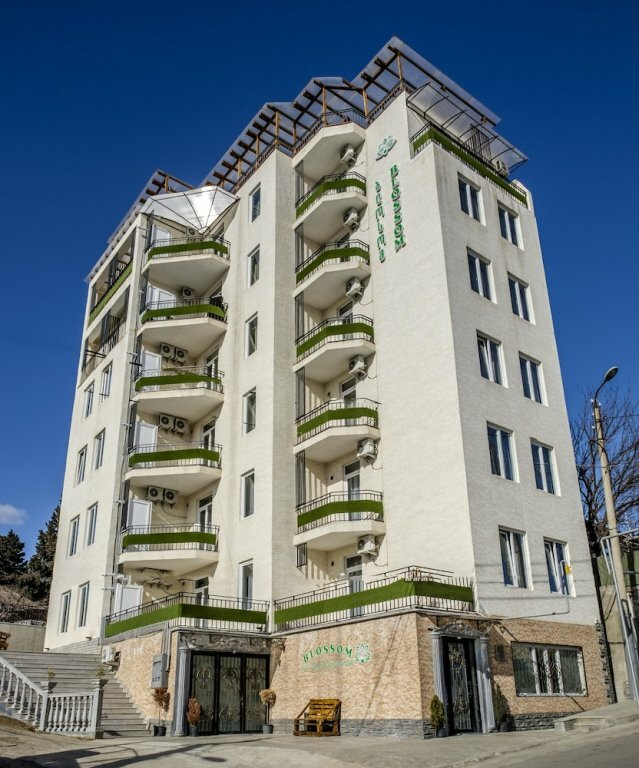 Novo Hotel And Residence