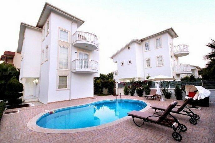 Villa Liya 4 by Elm