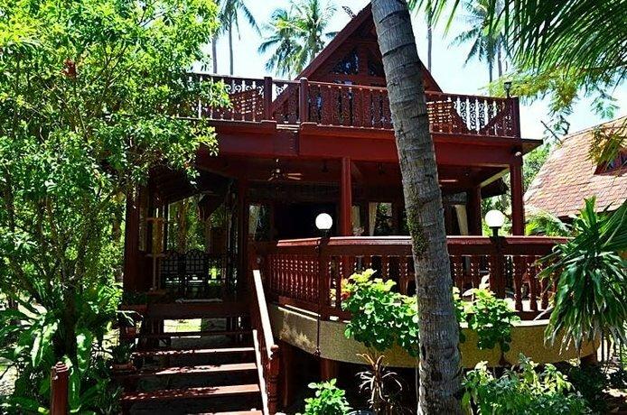 Green Coconut Village
