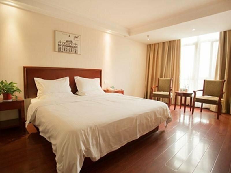 GreenTree Inn Lian Yun Gang Benniu Square Hotel