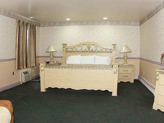 Parsippany Inn & Suites