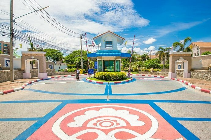Royal Beach Pool Villa Pattaya