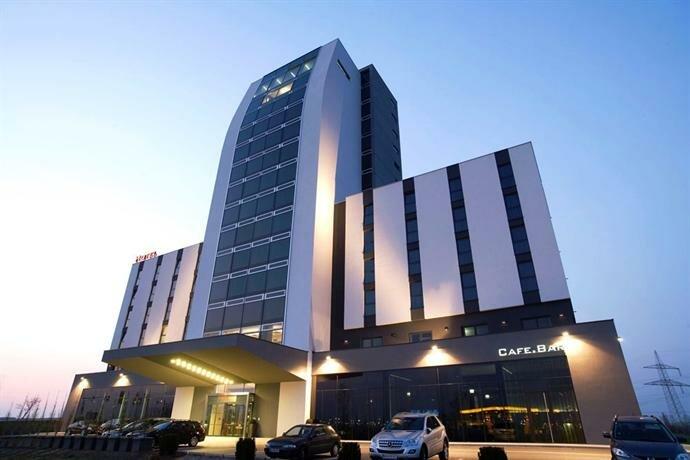 Отель Pannonia Tower