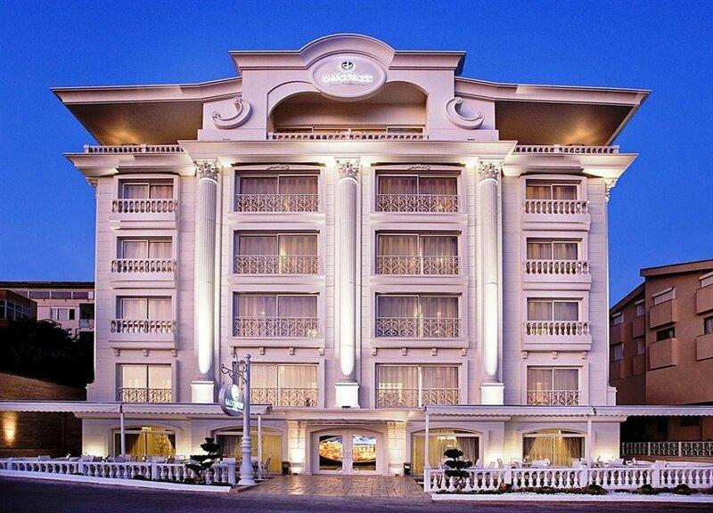 La Boutique Hotel & Suits