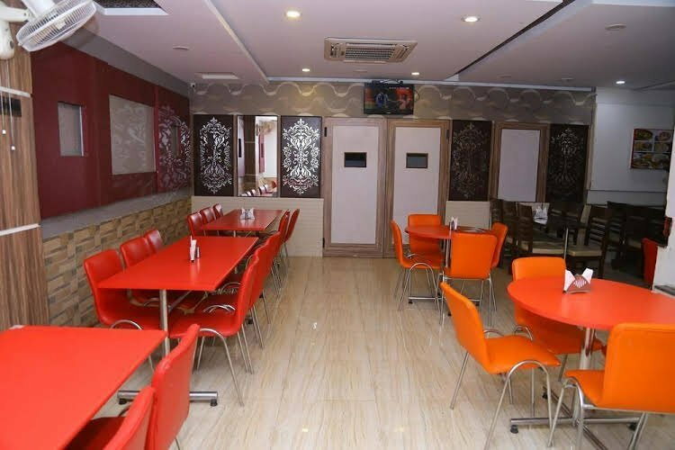 Oyo Rooms Paras Down Town Mall