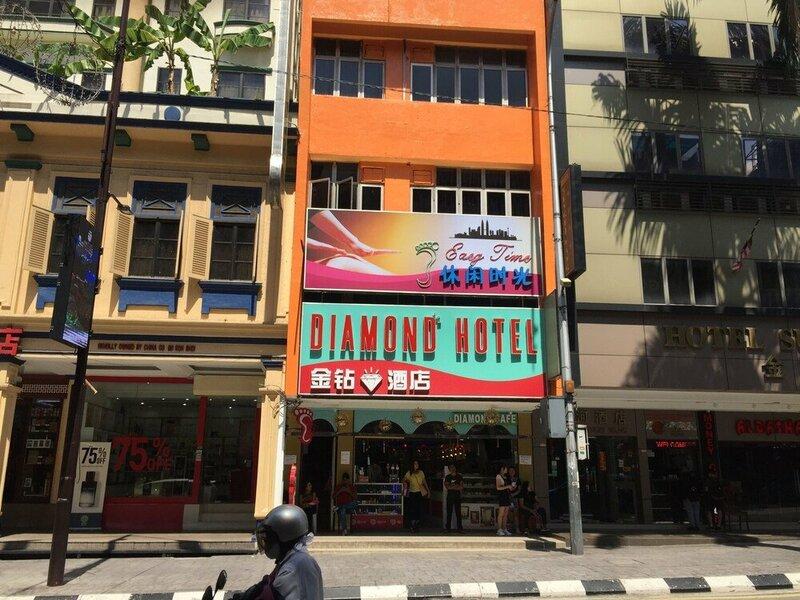 Oyo 89979 Diamond Hotel