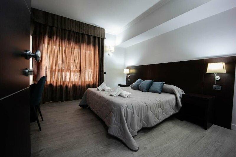 Отель Seven Kings Relais