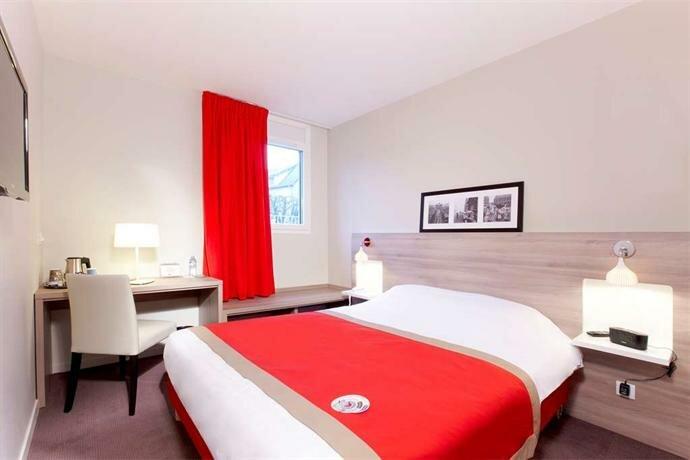 Hôtel Kyriad Versailles - Saint Cyr