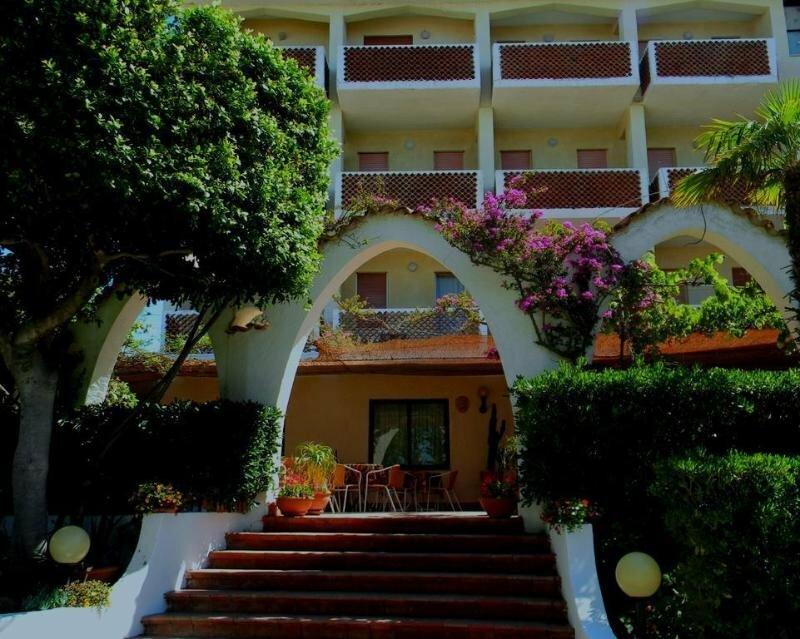 Hotel Punta Faro