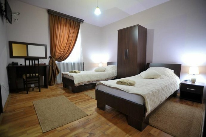 Garni Hotel City