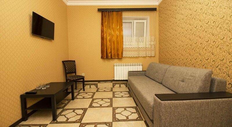 Economy Hotel on Pervomayskaya 15