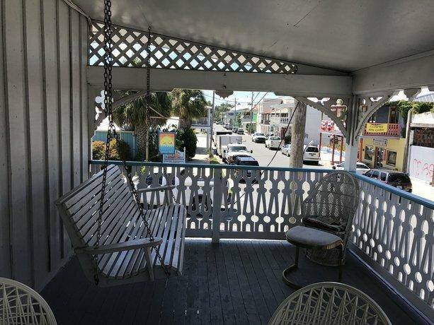 Cedar Key Inn