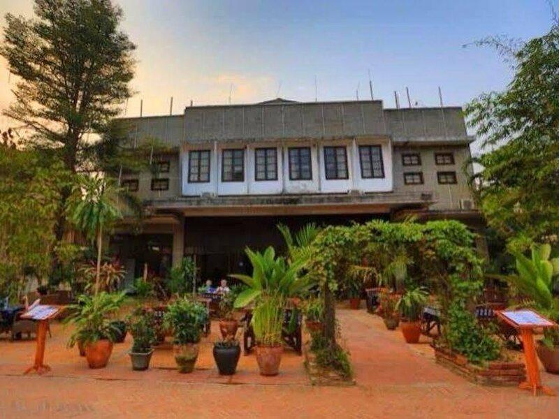 Lao Blossom Hotel