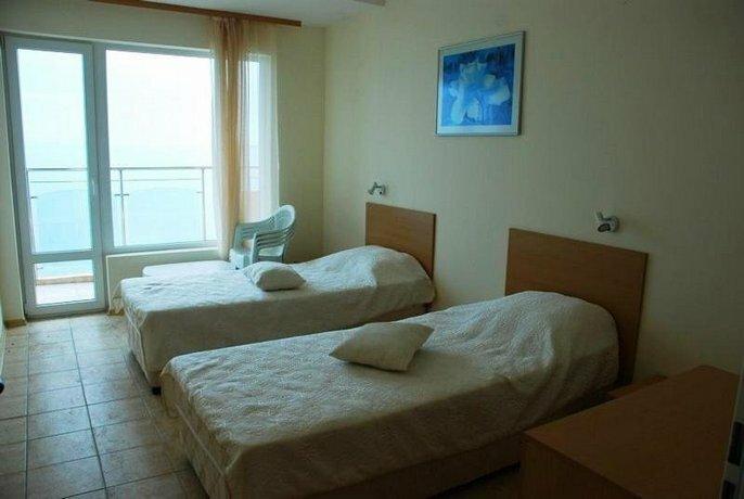 Coral Beach Apartment