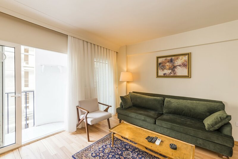 Spotless Flat in Central
