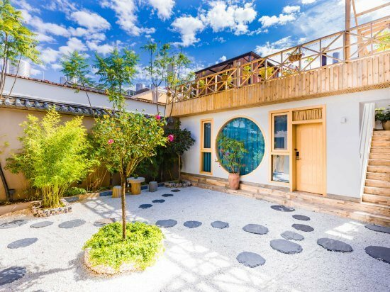 Beginner's Mind in Dali Art Theme Hotel