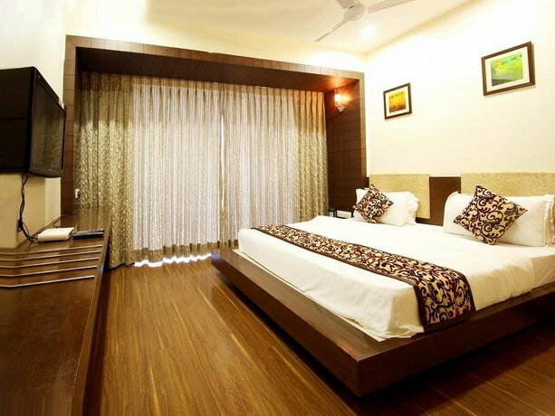 Oyo Rooms Ahmedabad Maninagar Station