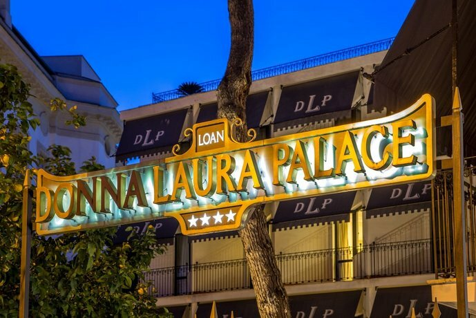Hotel Donna Laura Palace