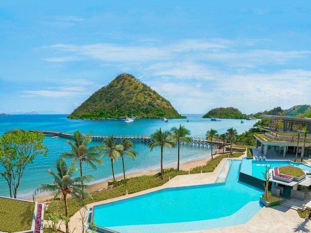 Ayana Komodo Resort Waecicu Beach