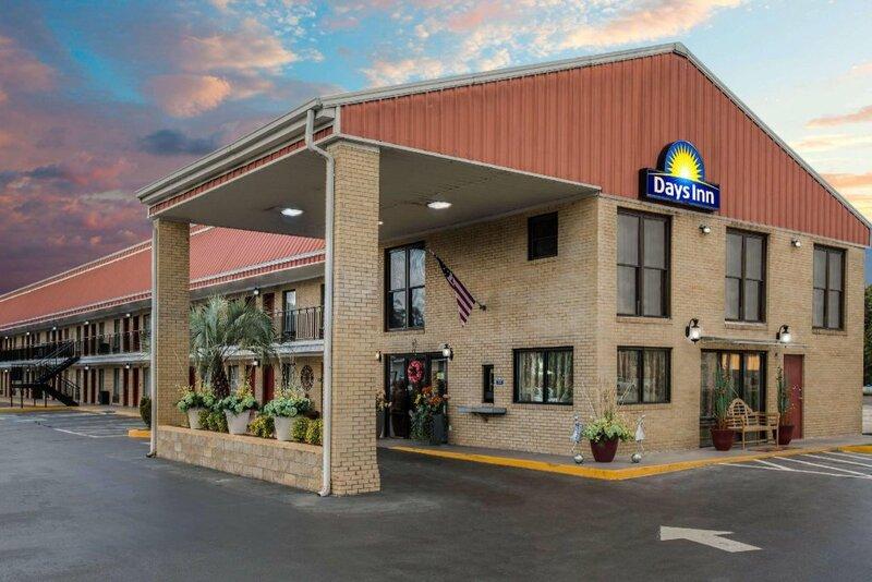 Days Inn by Wyndham Lake City