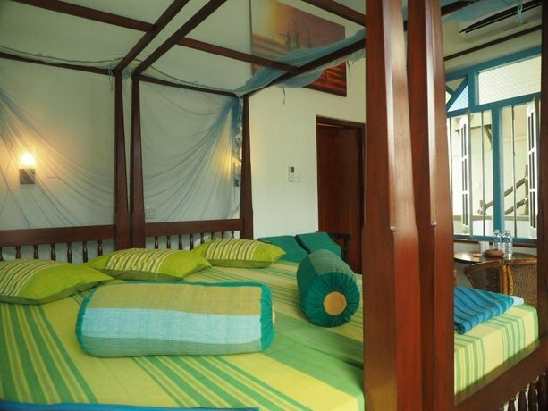 Main Reef Guest House