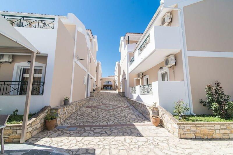 Maistrali Hotel & Apartments