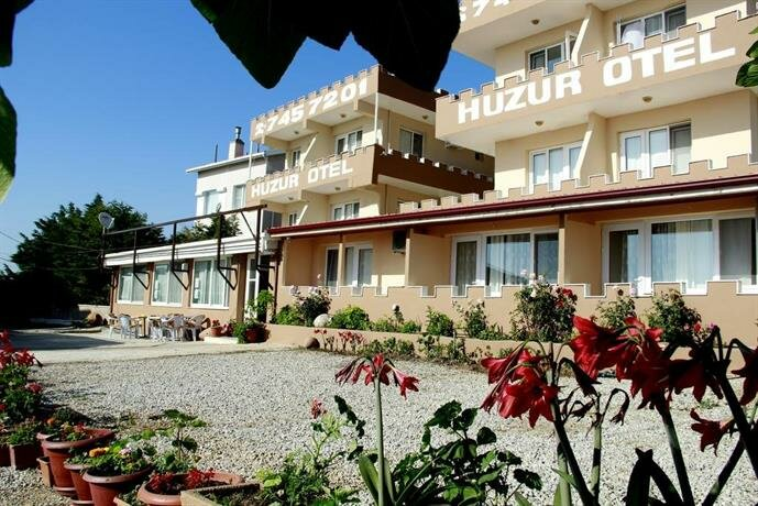 Huzur Hotel