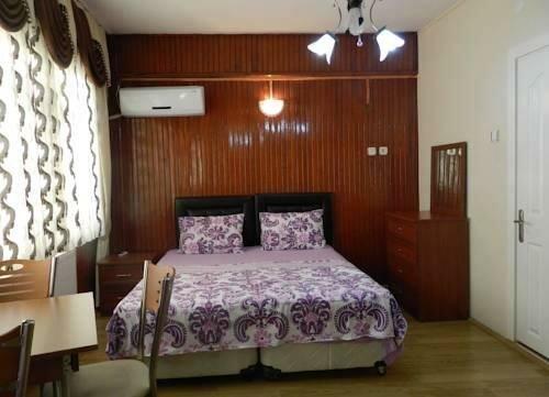 Selale House