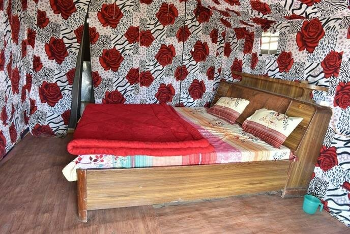Scenic Tent Stay in George Everest Hathipaon