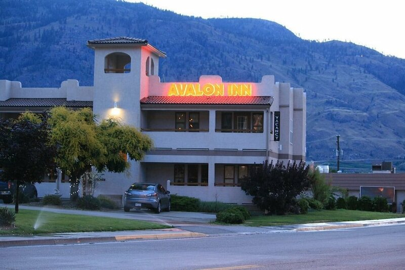 Avalon Inn