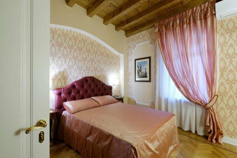 Guesthouse Al Chiostro De San Salvar