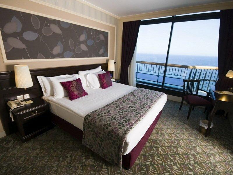 Отель Merit Crystal Cove Casino & SPA