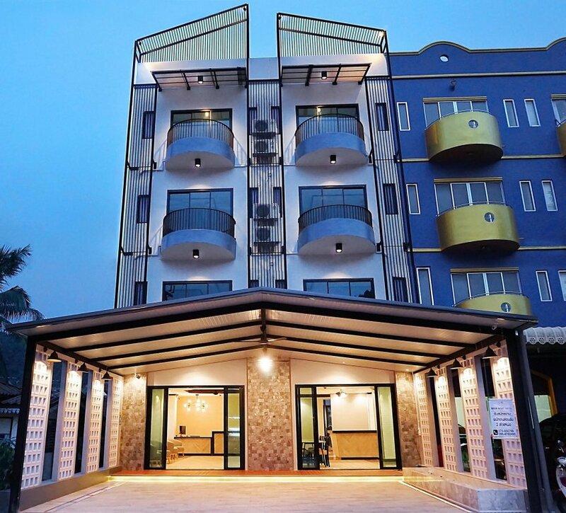 The Moon Night AO nang Hotel