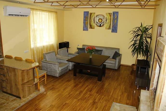 V Tsentre Erevana Apartments