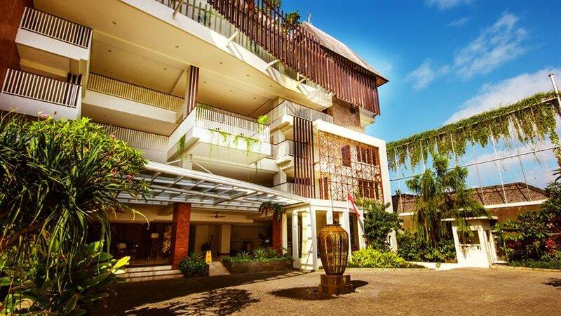 Отель Fox Harris Jimbaran Beach