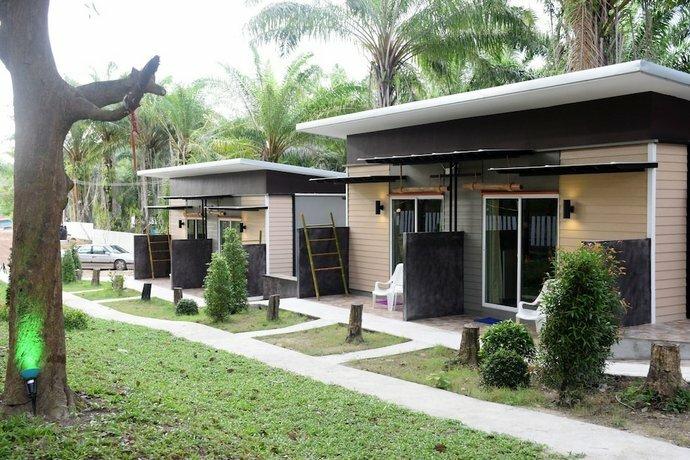 Baan Khao Mai Kaew Lanta Village